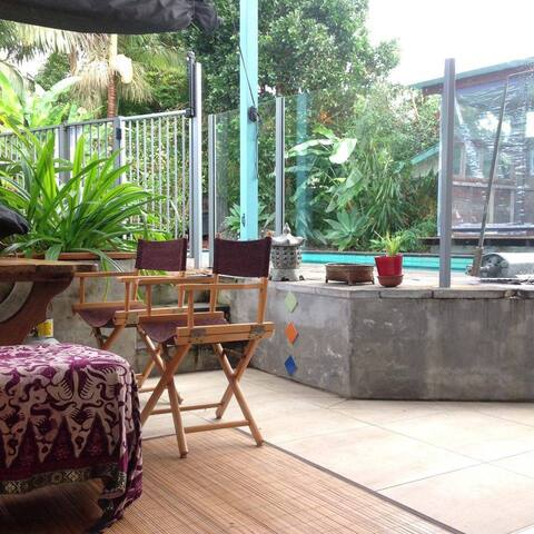 Bangalow Cosy Studio with Garden and Pool - Bangalow