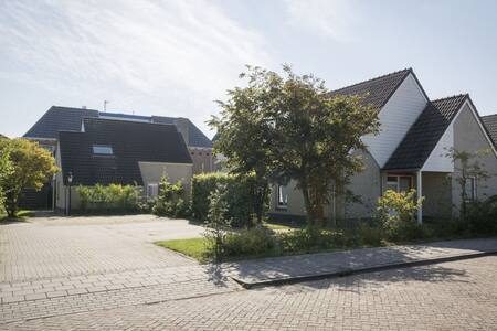 Spacious bungalow in the nice village of De Cocksdorp, on the Wadden island of Texel