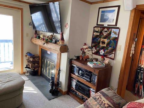 Lovely 2 Bedroom Condo at Blue Knob 4Season Resort