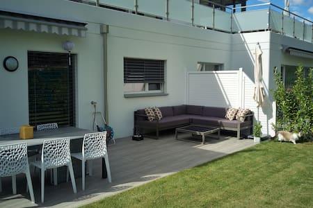 Appartement moderne avec terrasse & jardin privés - Sion