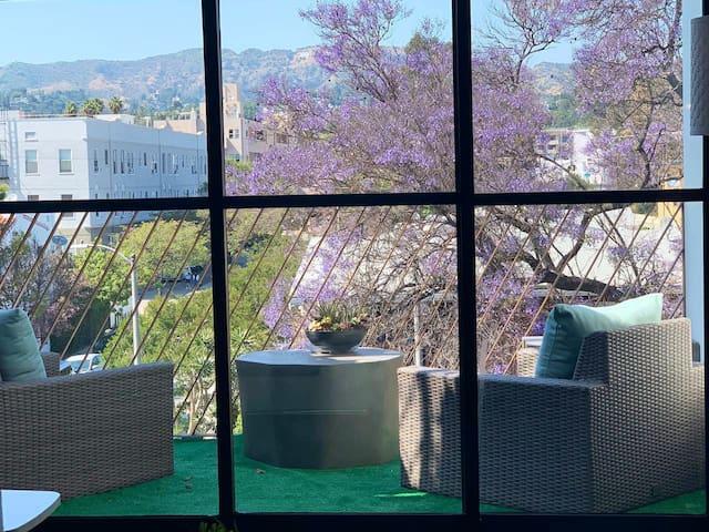 Modern Penthouse / city views / 3 private terraces