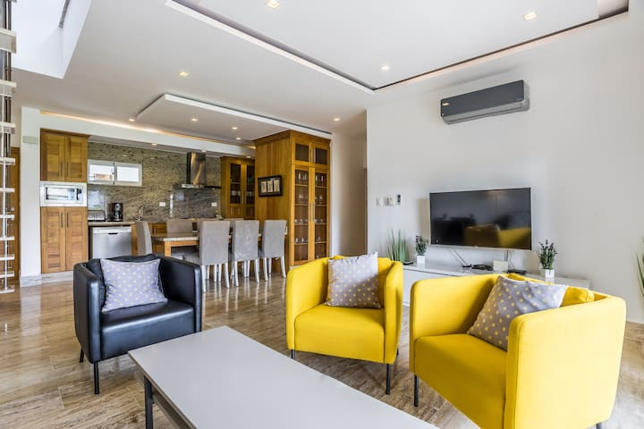 LAST MINUTE PRICE Luxury Condo Monst/ Popy beach