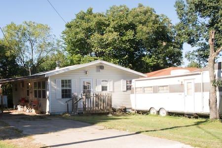 Rent Full Lake Cottage! - โรเจอร์ส