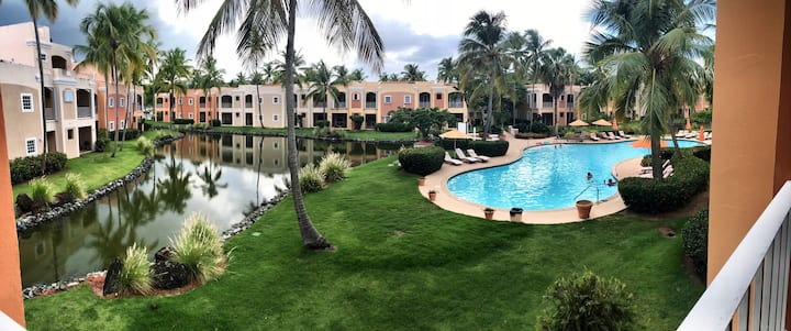 Beautiful Villa *Walking Distance to the Beach