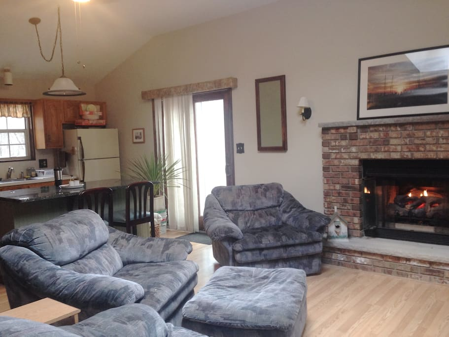 Couples Cozy Retreat With King Size Bed Cottages For