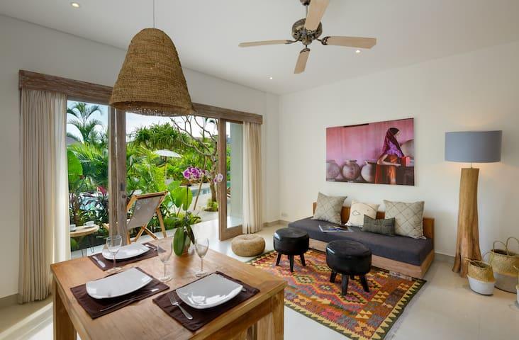 Beautiful 1 bdr apartment at batubolong beach - Kuta Utara - Wohnung