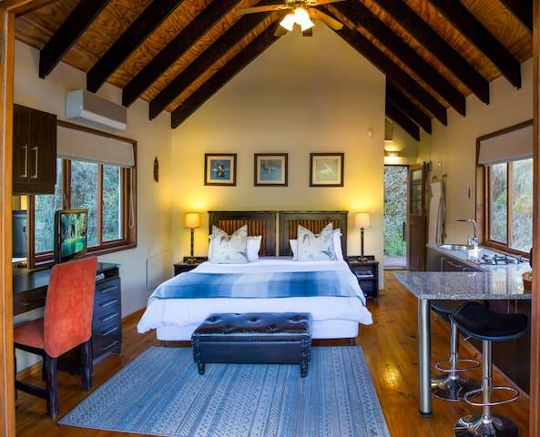 Thunzi Bush Lodge, Heron