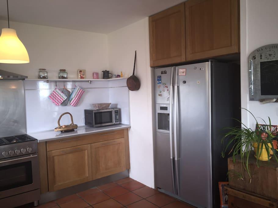piano de cuisine et frigo américain