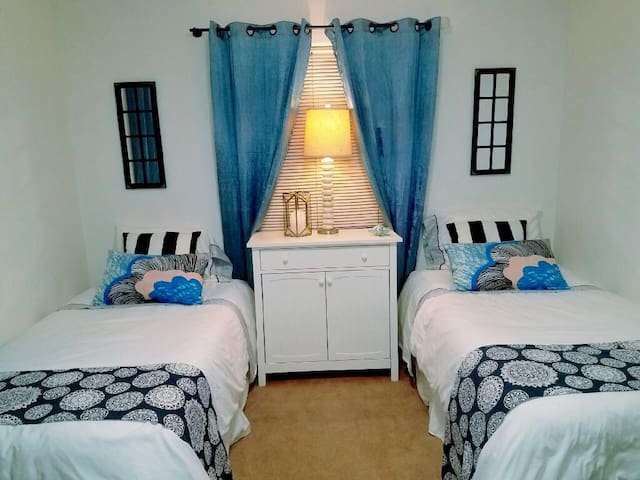 Gorgeous room in ideal location. - Hawthorne - Hus