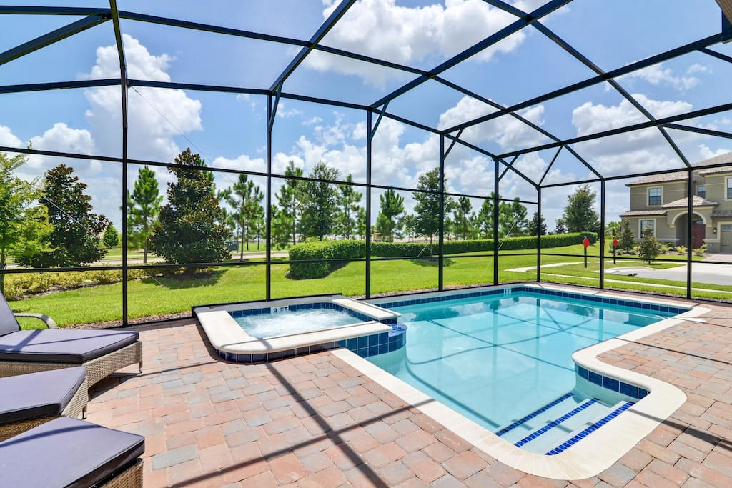 You and your family can make hundreds of happy memories on vacation when you spend time having fun in this crystal clear pool and bubbling spa pool, or just soaking up the sun on the cushioned deck loungers.