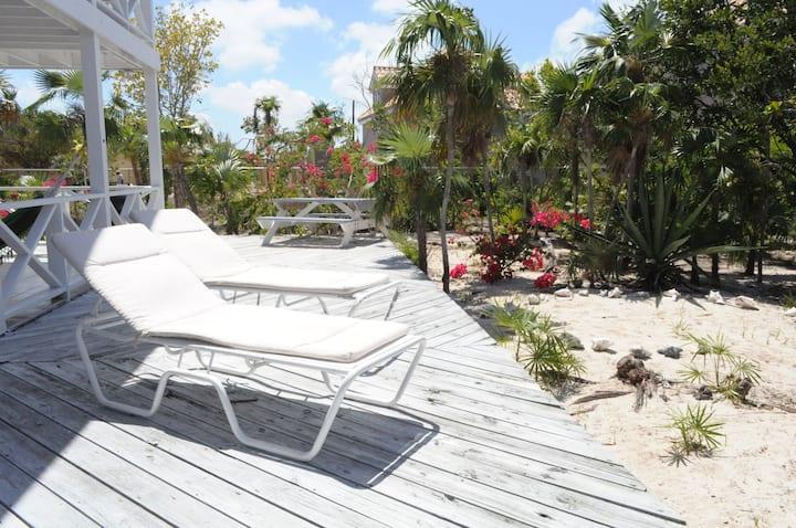 #1 Beach-Snorkeling-Restaurants-Bars-TheFishFry