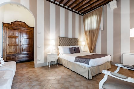 Cosy apartment at Poggio al Casone - CRESPINA
