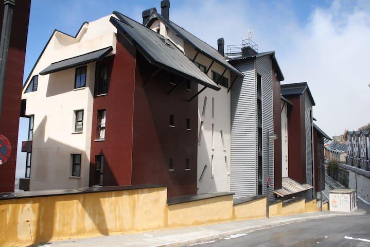 Alquilo apartamento en Sierra Nevad - Monachil  - Apartment