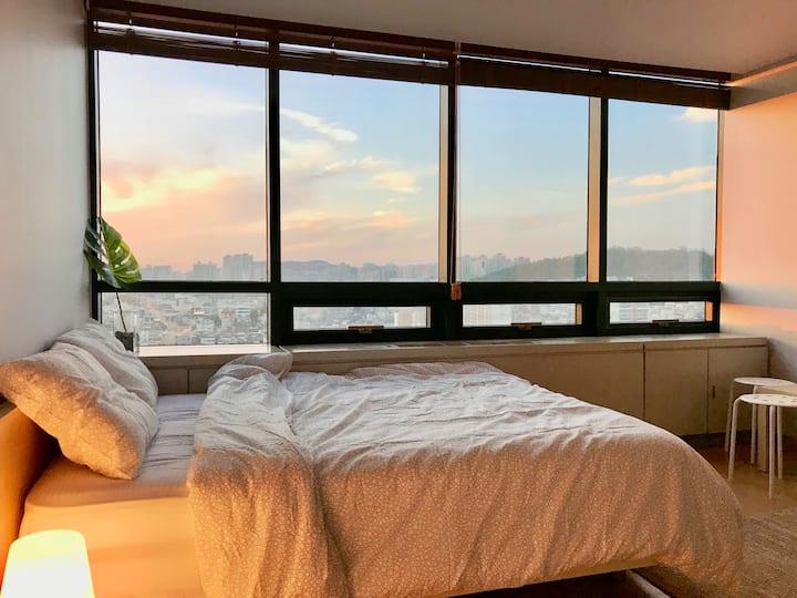[Jun 6]Hongdae cozy room/Hongik univ stn.1min