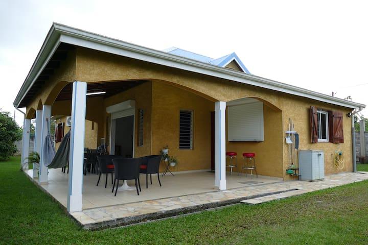 Villa bois-rada