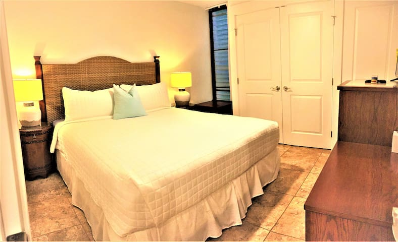 First bedroom: Brand new King bed and luxury beddings
