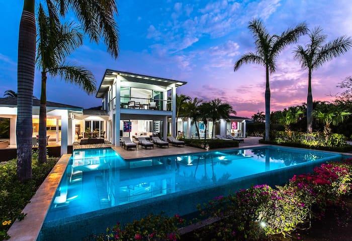 Villa St Barth - Tamarindo, Costa Rica