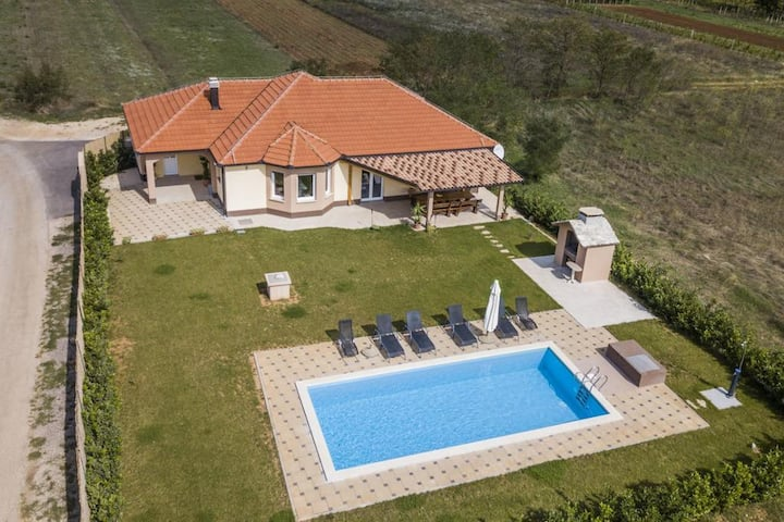 Four bedroom house with terrace Postranje, Zagora (K-17969)