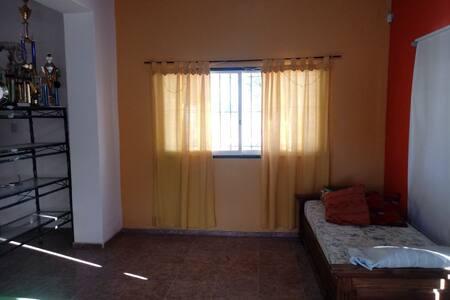 Casa en finca en Angaco