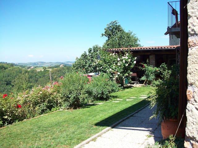 Alla scoperta delle bellezze del Monferrato UNESCO - Camagna Monferrato - Aamiaismajoitus