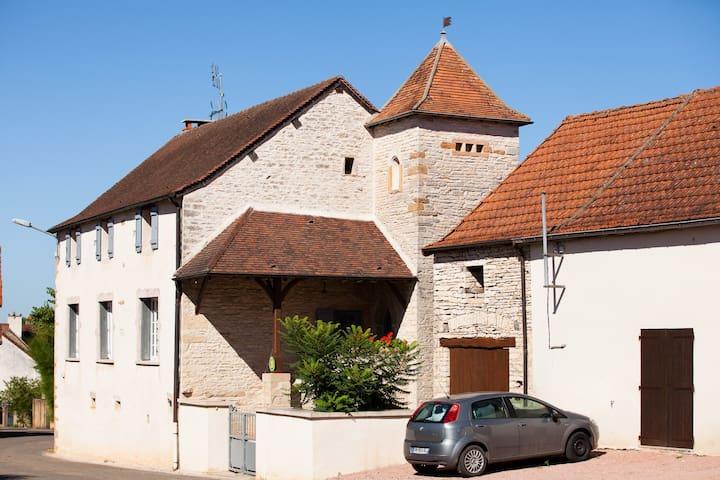 Gite à la campagne proche de Cluny - Cortevaix - Casa