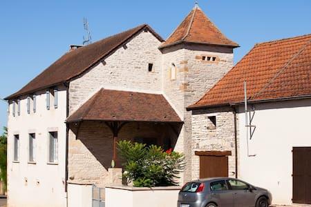 Gite à la campagne proche de Cluny - Cortevaix
