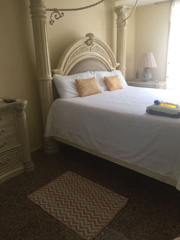 Central  Brooklyn Beautiful Rooms Room Florence #1