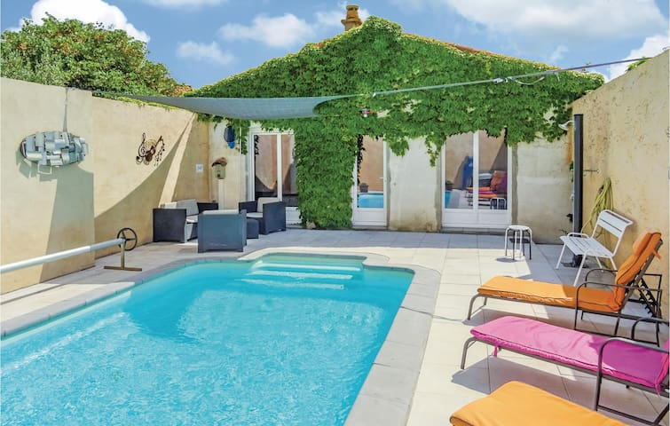 Holiday cottage with 4 bedrooms on 115 m² in La Redorte