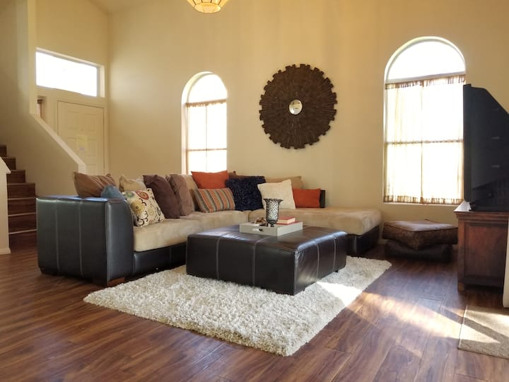 Best deal in the valley-3BR, 2.5 Bath Pool Garage