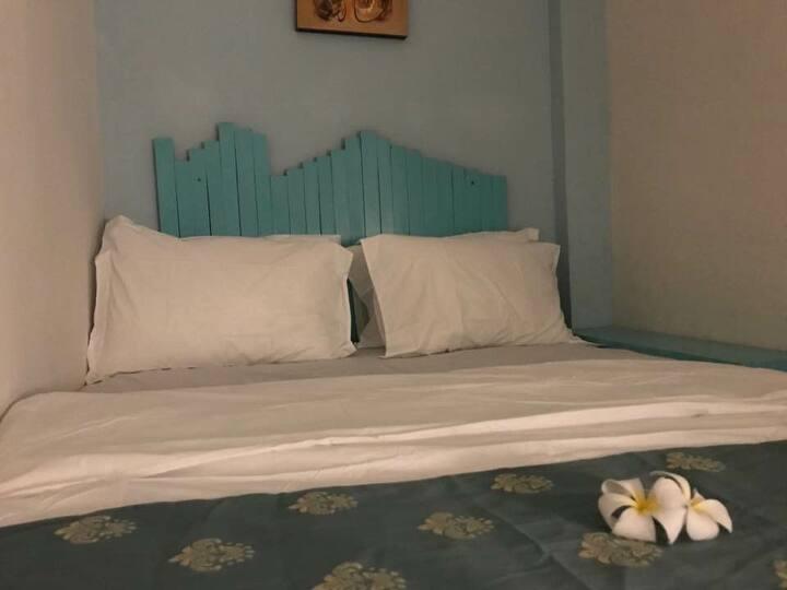 Just-In Bed & Breakfast (Deluxe Budget Room)