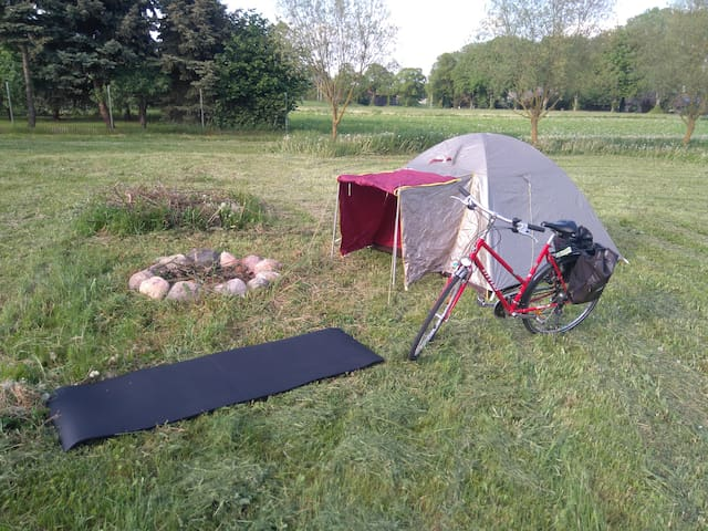 CAMP DIRECTLY AT THE BERLIN - USEDOM CYCLE PATH