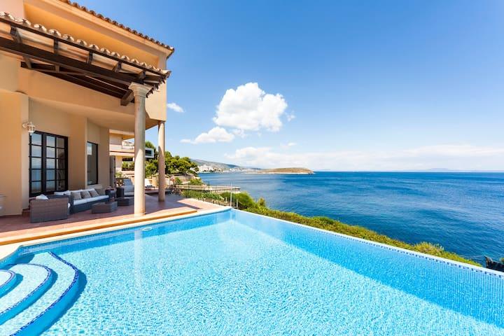 Junto al mar, con piscina y jacuzzi - Casa Juan Carlos