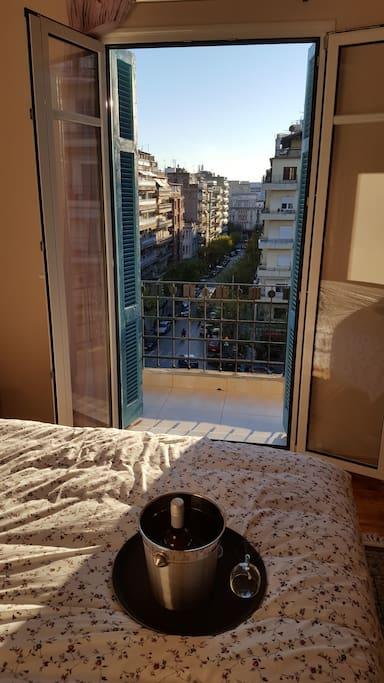 Bedroom with views to Antigonidon Sq. and Egnatia Street