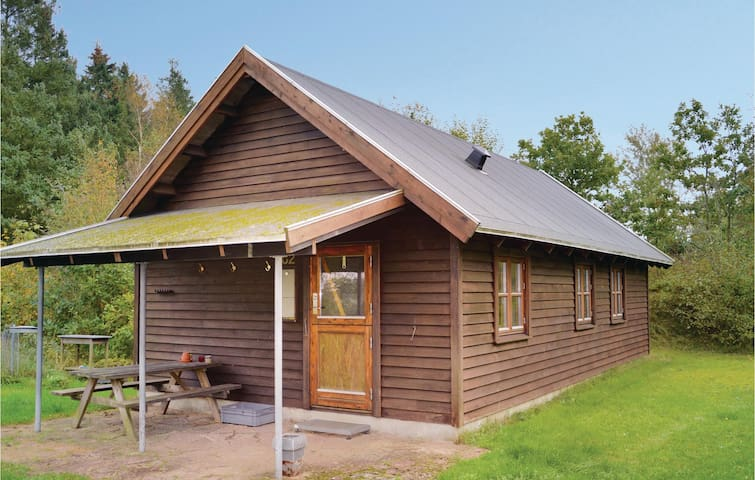 Holiday cottage with 2 bedrooms on 60 m² C80296