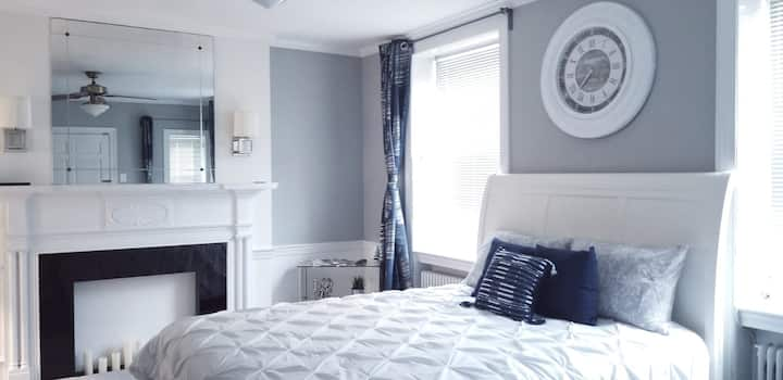 Lux Suite for Your Retreat - Private Entrance!