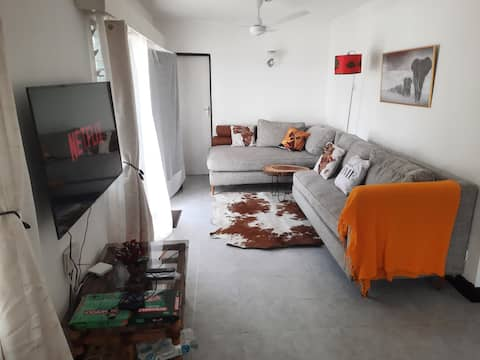 Clean Stylish 1/BR, Nyali, WiFi, Netflix, Serene