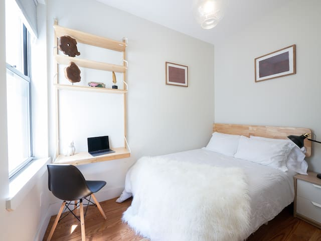 Private cozy room in Bushwick / full-size bed