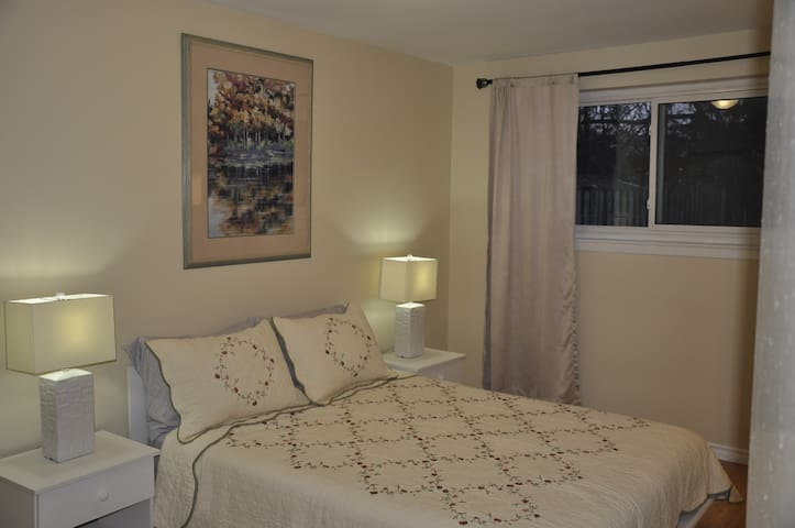 2 Bedroom  Bright Spacious Ground Floor Apartment