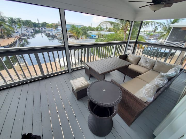 GREAT KEY LARGO HOME WITH WATER FRONT