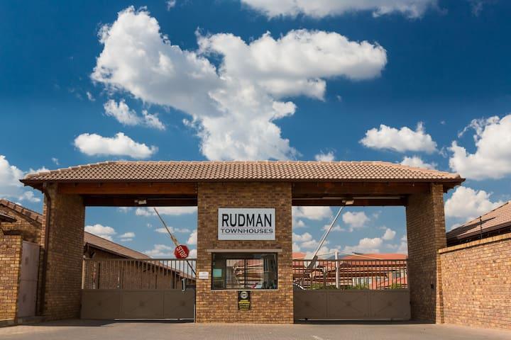 Rudman Townhouses Unit F3