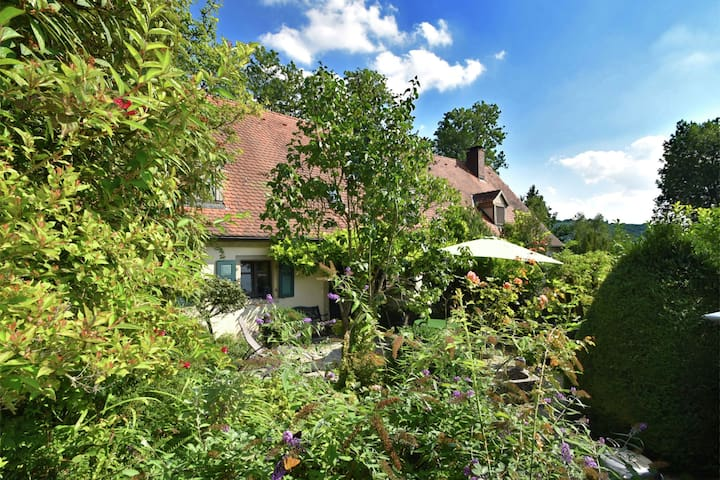 Cozy Holiday Home near Forest in Weissenburg in Bayern