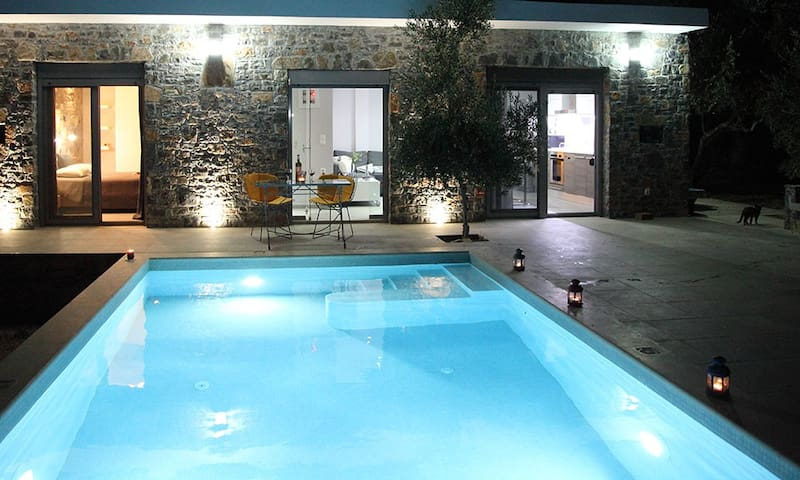 "Euphoria villas - Villa ""Almyra"" (4 People)"