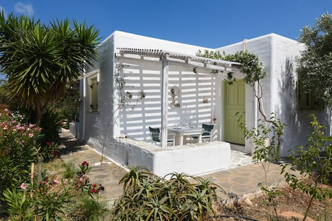 2 Olives quiet studio close to the  beach