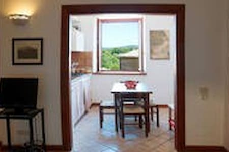 Roman apartment barbarano (Viterbo) with WiFi - Barbarano Romano - House