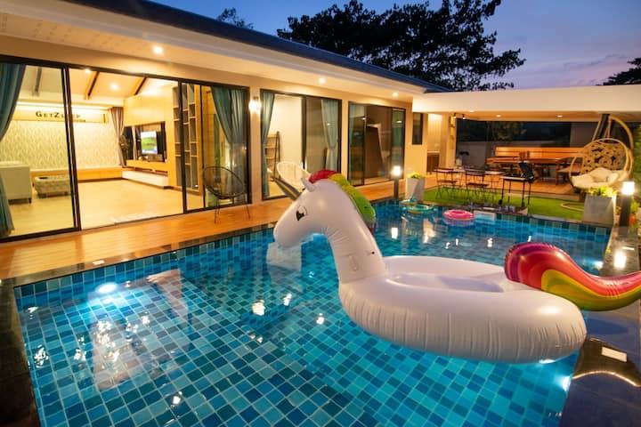 GetZleep Pool Villa Sattahip