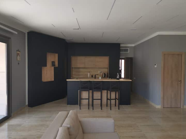 ★ Entire 3 bedroom apt in residential area