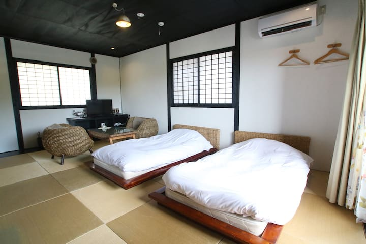 Private Room with Hot Spring at Yufuin (たんぽぽ)