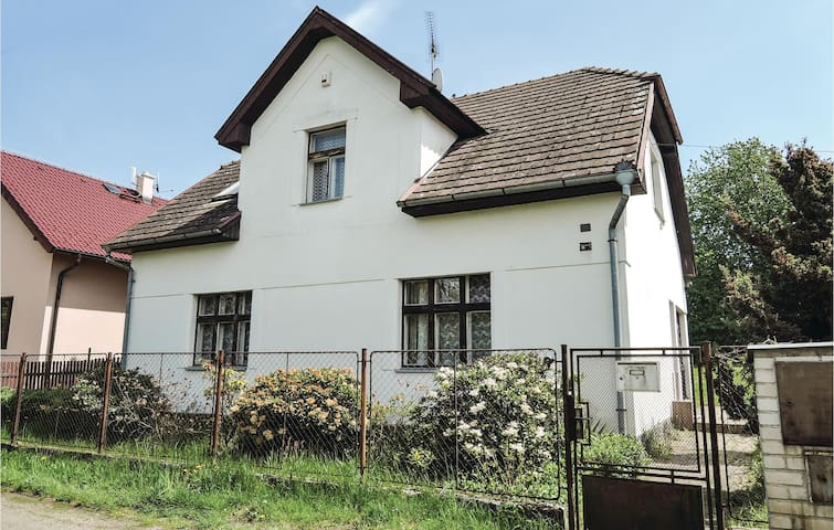 Holiday cottage with 4 bedrooms on 164m² in Cercany
