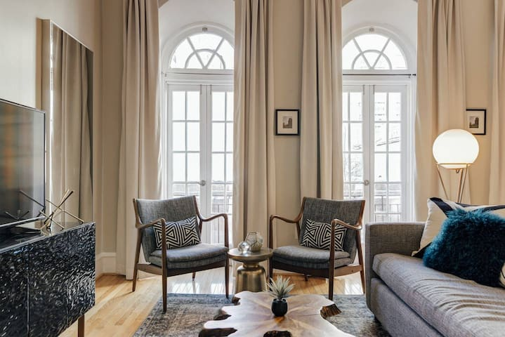 Abode | Center City | Stunning Architectural Flat