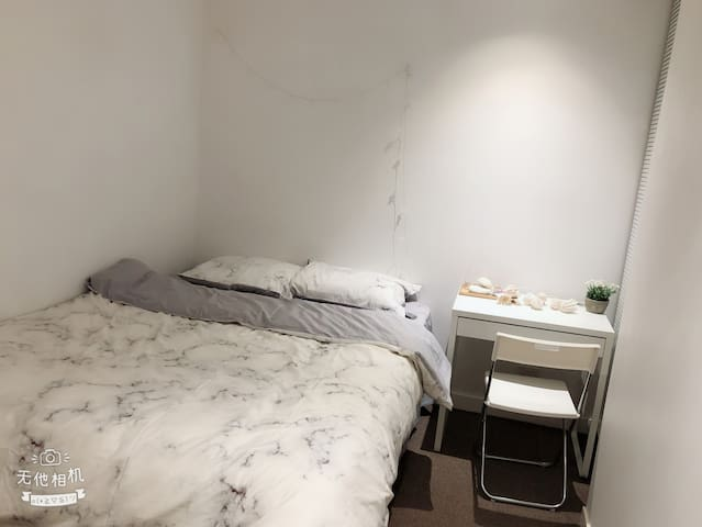 Cozy comfy bedroom near to CBD mel 中文房东!